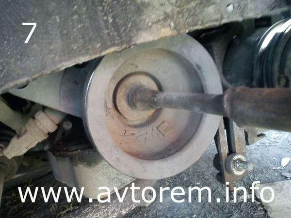Фото №14 - как открутить болт шкива коленвала ВАЗ 2110